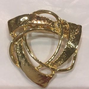 Vintage Brooch Pin Costume Jewelry Goldtone